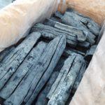 ラオス産備長炭も販売中。